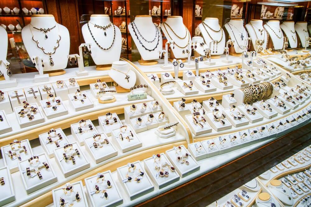 como criar uma marca de semi joias como escolher